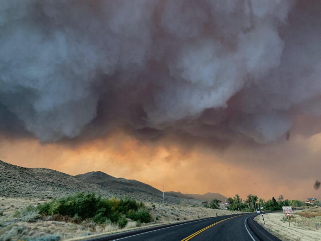 Smoke from Mullen Fire billows over highway